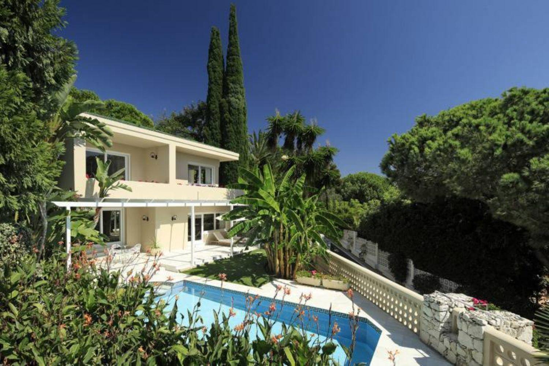 L-1527 Chalet en venta en Marbella