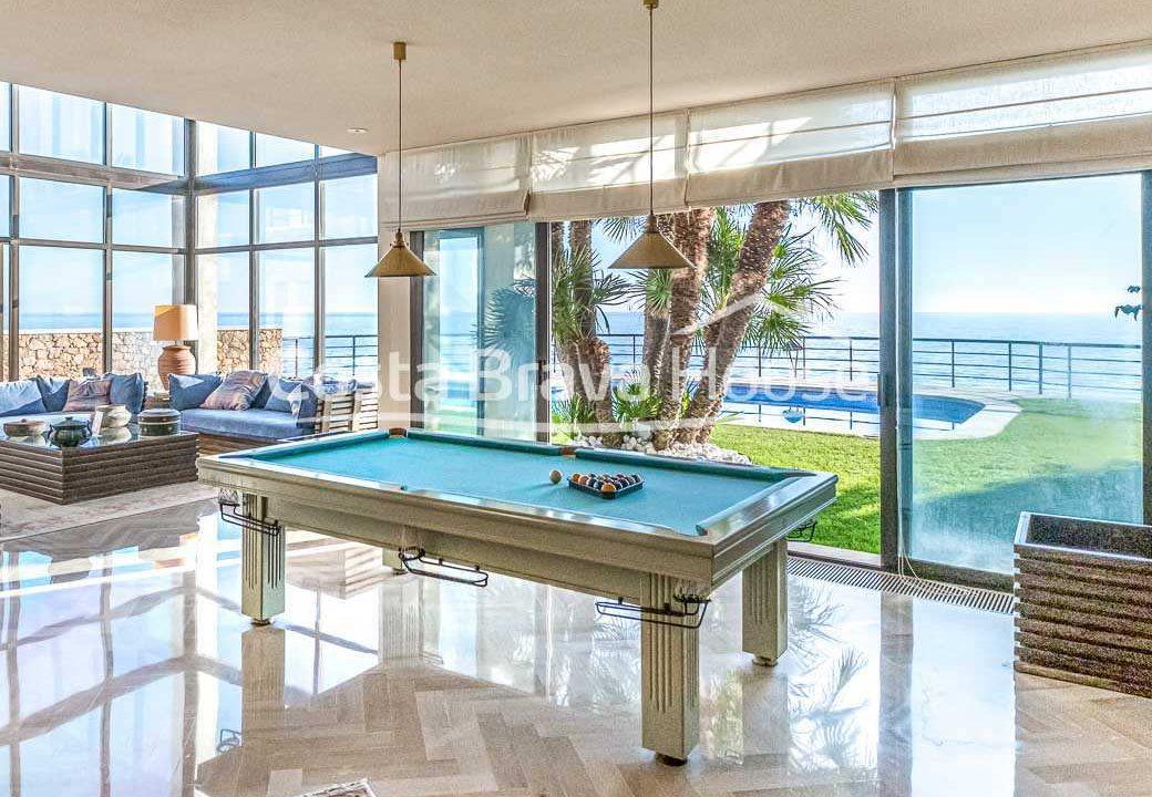 18-spectaculaire-maison-de-luxe-en-bord-de-mer-a-sant-feliu-guixols