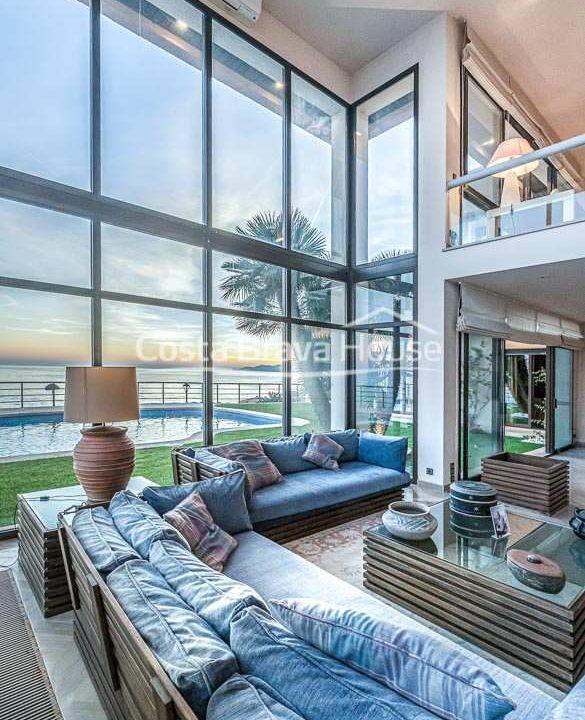 22-spectaculaire-maison-de-luxe-en-bord-de-mer-a-sant-feliu-guixols