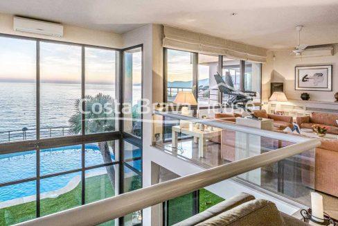 24-spectaculaire-maison-de-luxe-en-bord-de-mer-a-sant-feliu-guixols