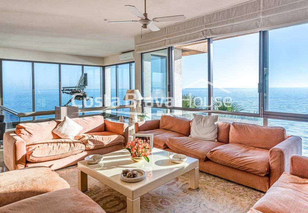 25-spectaculaire-maison-de-luxe-en-bord-de-mer-a-sant-feliu-guixols
