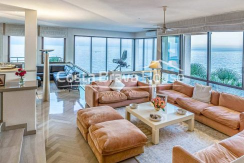 28-spectaculaire-maison-de-luxe-en-bord-de-mer-a-sant-feliu-guixols