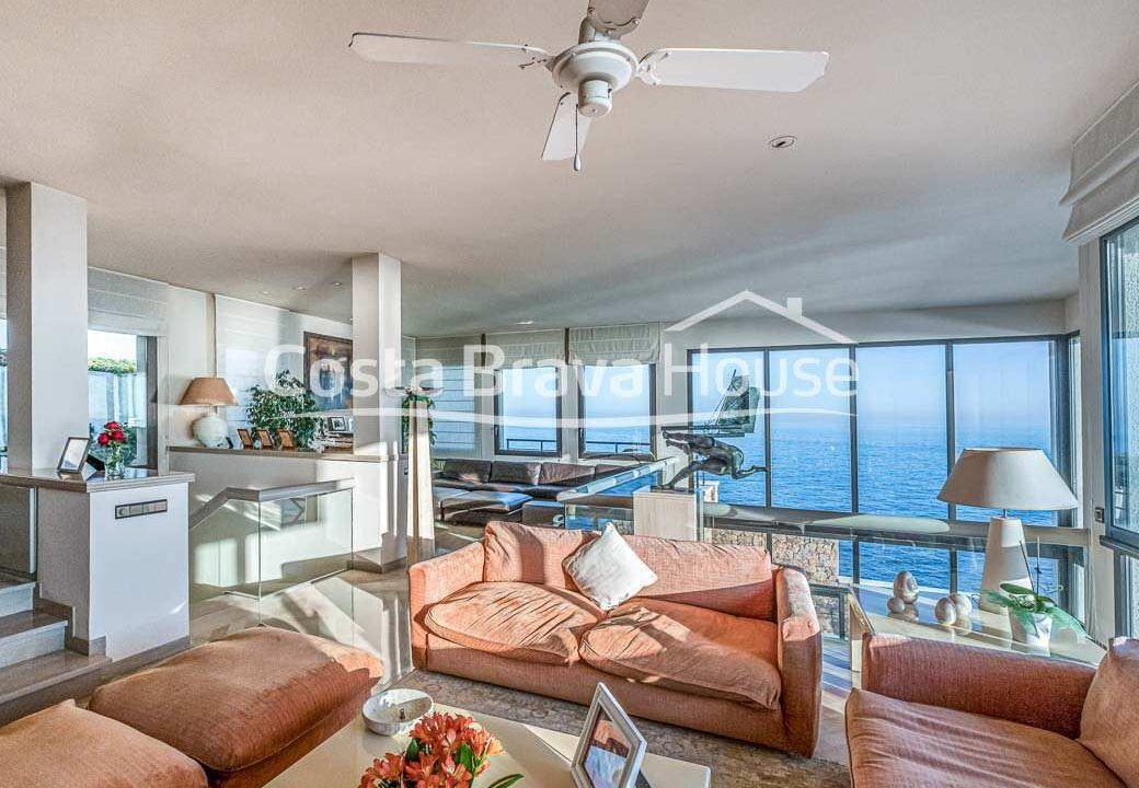29-spectaculaire-maison-de-luxe-en-bord-de-mer-a-sant-feliu-guixols