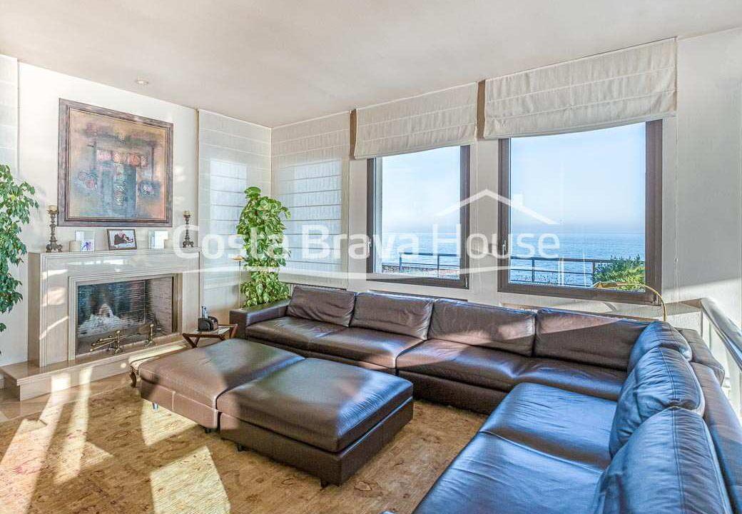 30-spectaculaire-maison-de-luxe-en-bord-de-mer-a-sant-feliu-guixols