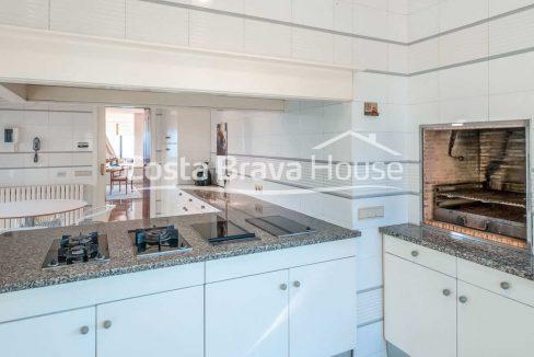 32-spectaculaire-maison-de-luxe-en-bord-de-mer-a-sant-feliu-guixols
