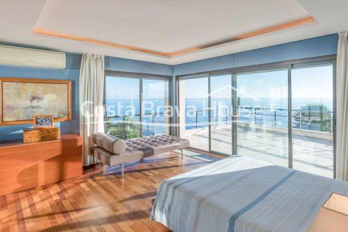 38-luxurious-seafront-house-in-sant-feliu-guixols