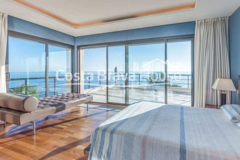 39-luxurious-seafront-house-in-sant-feliu-guixols