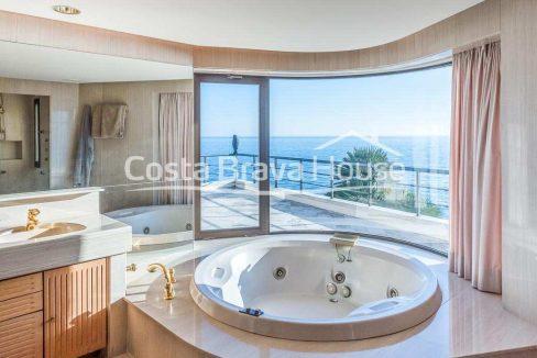 40-luxurious-seafront-house-in-sant-feliu-guixols