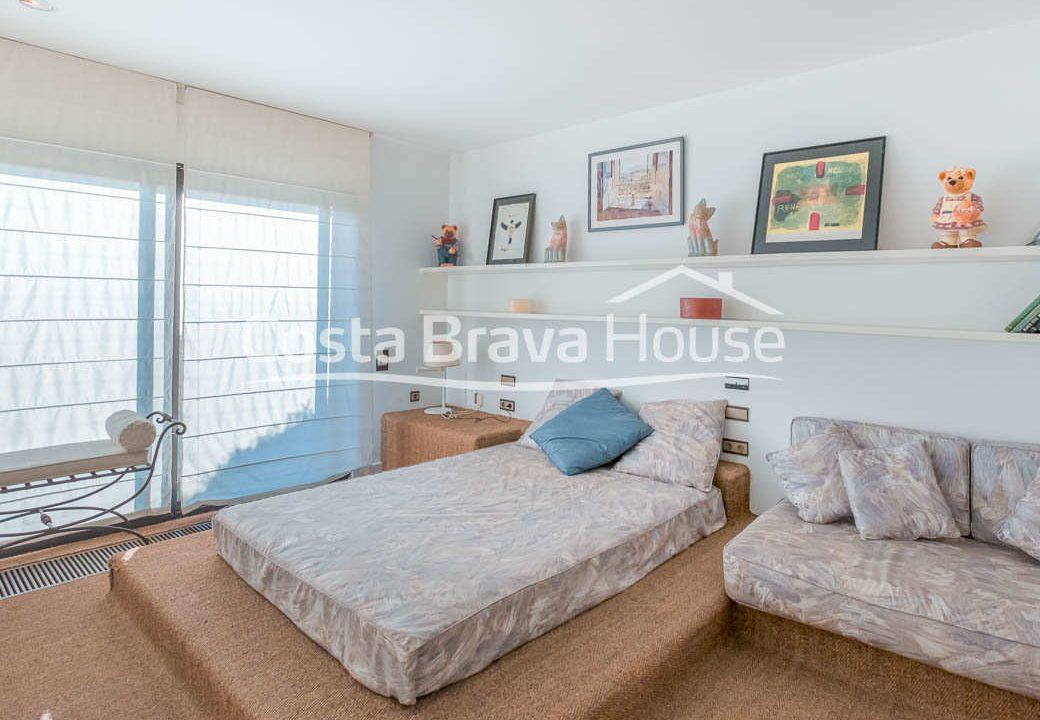 44-luxurious-seafront-house-in-sant-feliu-guixols