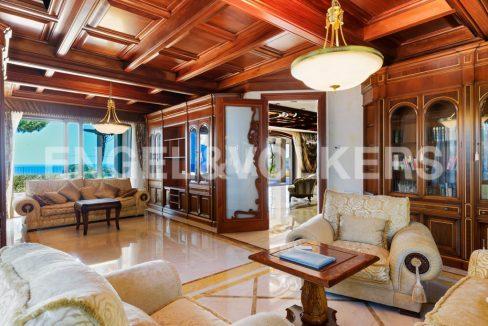 extraordinaria-villa-de-lujo-con-panorámicas-vistas-al-mar (10)
