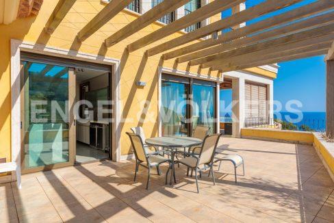 extraordinaria-villa-de-lujo-con-panorámicas-vistas-al-mar (16)