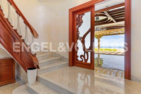 extraordinaria-villa-de-lujo-con-panorámicas-vistas-al-mar (18)