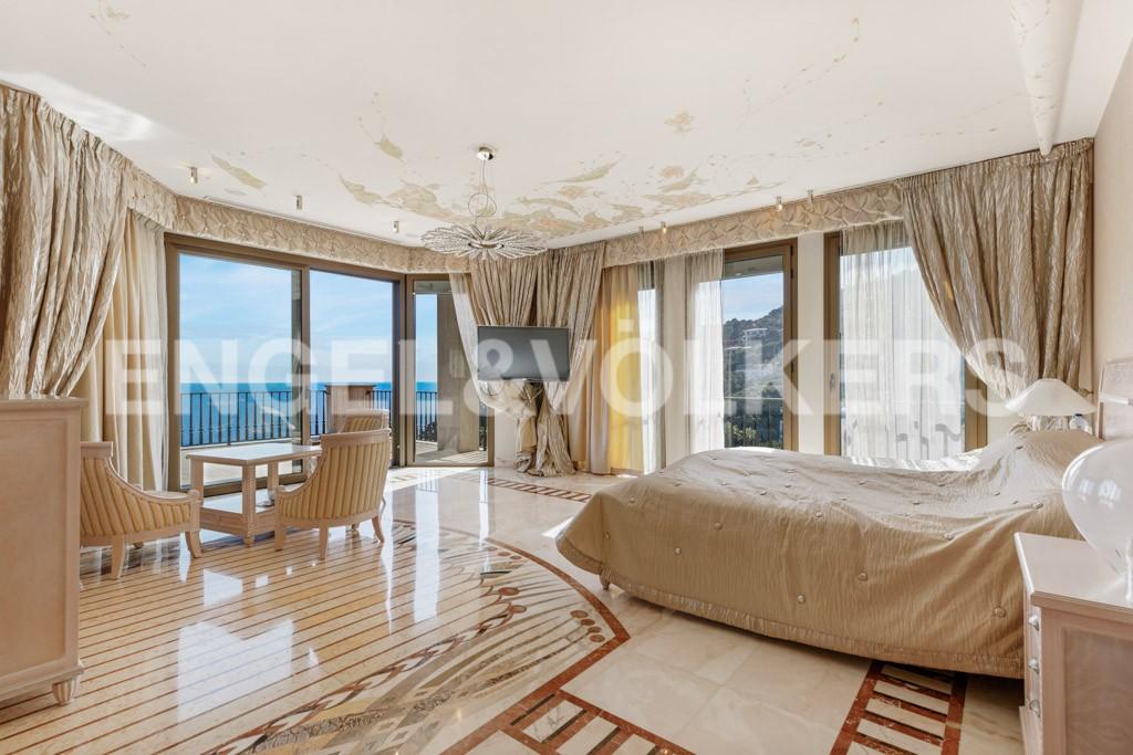 extraordinaria-villa-de-lujo-con-panorámicas-vistas-al-mar (20)