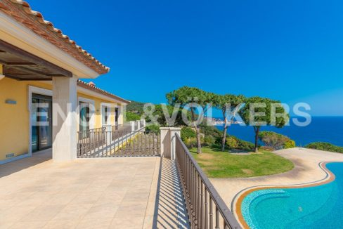extraordinaria-villa-de-lujo-con-panorámicas-vistas-al-mar (22)