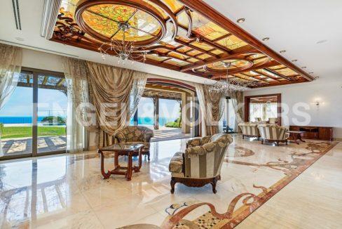 extraordinaria-villa-de-lujo-con-panorámicas-vistas-al-mar (9)