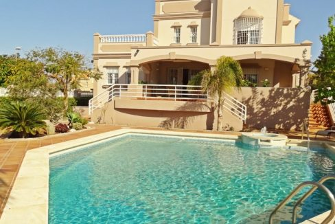 image_villa-en-venta-en-roquetas-de-mar-de-464m2-ref-77563146374_0-1740x960-c-center