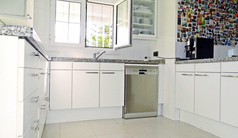 image_villa-en-venta-en-roquetas-de-mar-de-464m2-ref-77563146374_19-1740x960-c-center