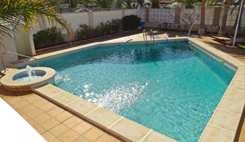 image_villa-en-venta-en-roquetas-de-mar-de-464m2-ref-77563146374_2-1740x960-c-center