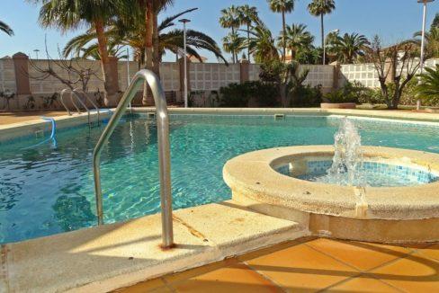 image_villa-en-venta-en-roquetas-de-mar-de-464m2-ref-77563146374_3-1740x960-c-center