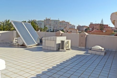 image_villa-en-venta-en-roquetas-de-mar-de-464m2-ref-77563146374_34-1740x960-c-center