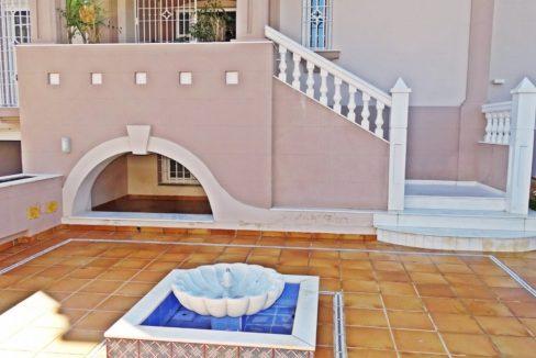 image_villa-en-venta-en-roquetas-de-mar-de-464m2-ref-77563146374_4-1740x960-c-center