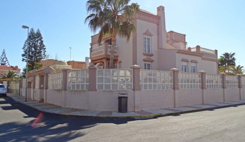 image_villa-en-venta-en-roquetas-de-mar-de-464m2-ref-77563146374_6-1740x960-c-center