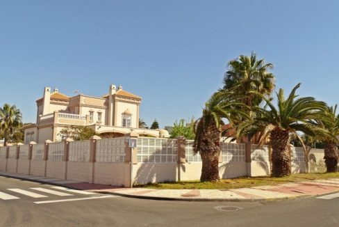 image_villa-en-venta-en-roquetas-de-mar-de-464m2-ref-77563146374_7-1740x960-c-center