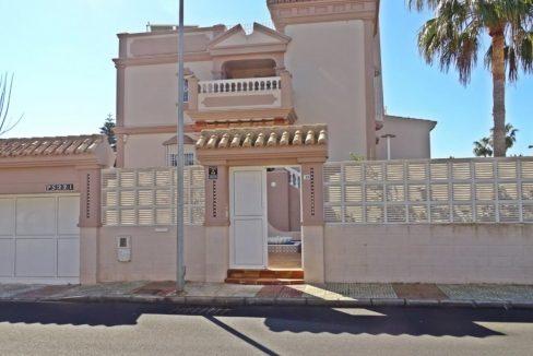 image_villa-en-venta-en-roquetas-de-mar-de-464m2-ref-77563146374_8-1740x960-c-center