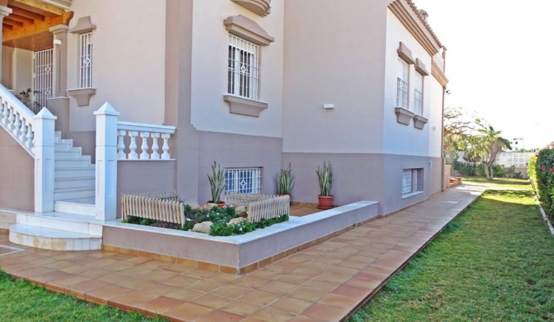 image_villa-en-venta-en-roquetas-de-mar-de-464m2-ref-77563146374_9-1740x960-c-center