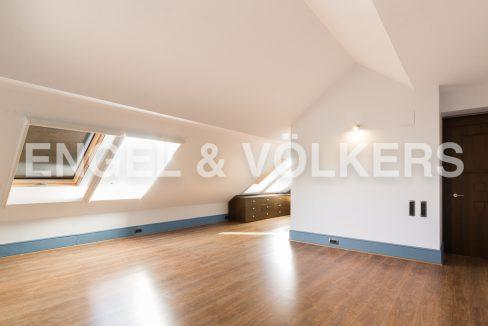 increible-ático-dúplex-con-piscina-en-la-alameda-habitación-principal (1)