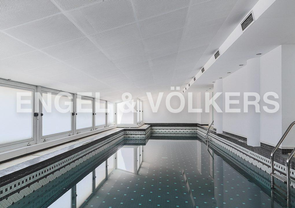 increible-ático-dúplex-con-piscina-en-la-alameda-piscina-climatizada (1)
