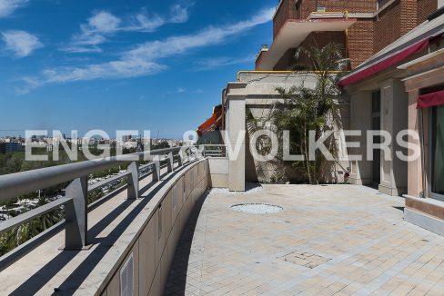 increible-ático-dúplex-con-piscina-en-la-alameda-terraza (1)