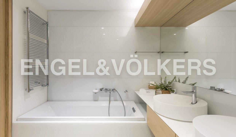 piso-de-excelentes-calidades-y-diseño-baño (2)