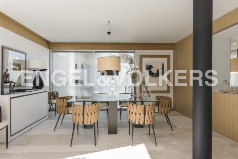 piso-de-excelentes-calidades-y-diseño-comedor (2)