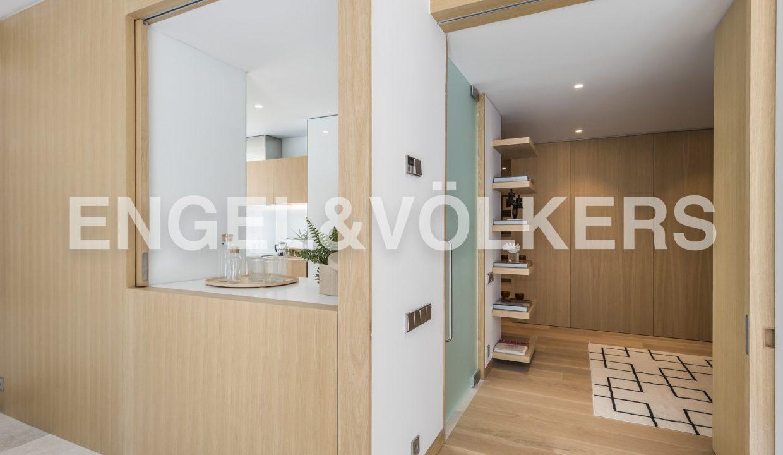 piso-de-excelentes-calidades-y-diseño-hall-de-acceso (1)