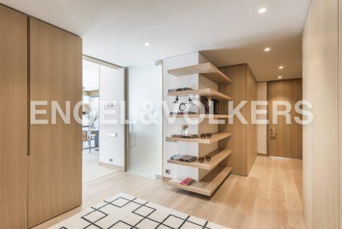 piso-de-excelentes-calidades-y-diseño-hall-de-acceso (2)