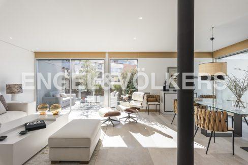 piso-de-excelentes-calidades-y-diseño-salón (2)
