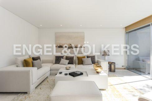 piso-de-excelentes-calidades-y-diseño-salón (3)