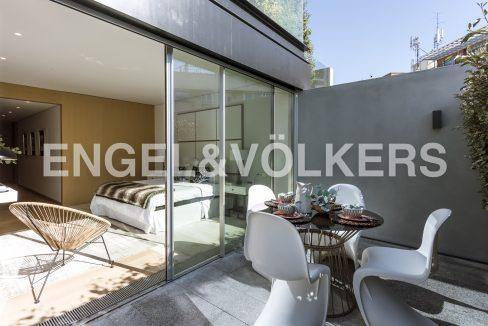 piso-de-excelentes-calidades-y-diseño-terraza (1)