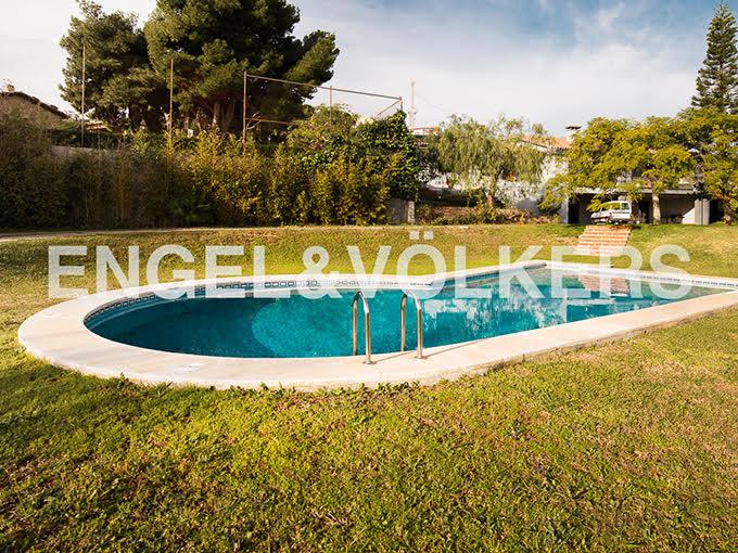 impresionante-villa-en-peñíscola-piscina