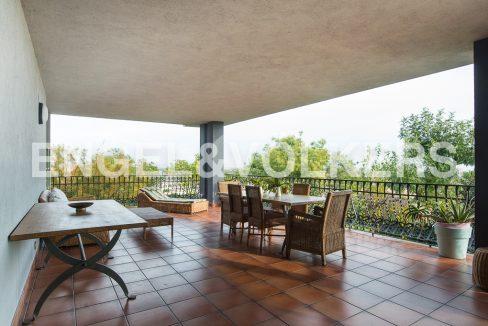impresionante-villa-en-peñíscola-terraza