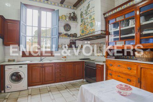 modernismo-francés-en-valencia-frente-al-mar-cocina