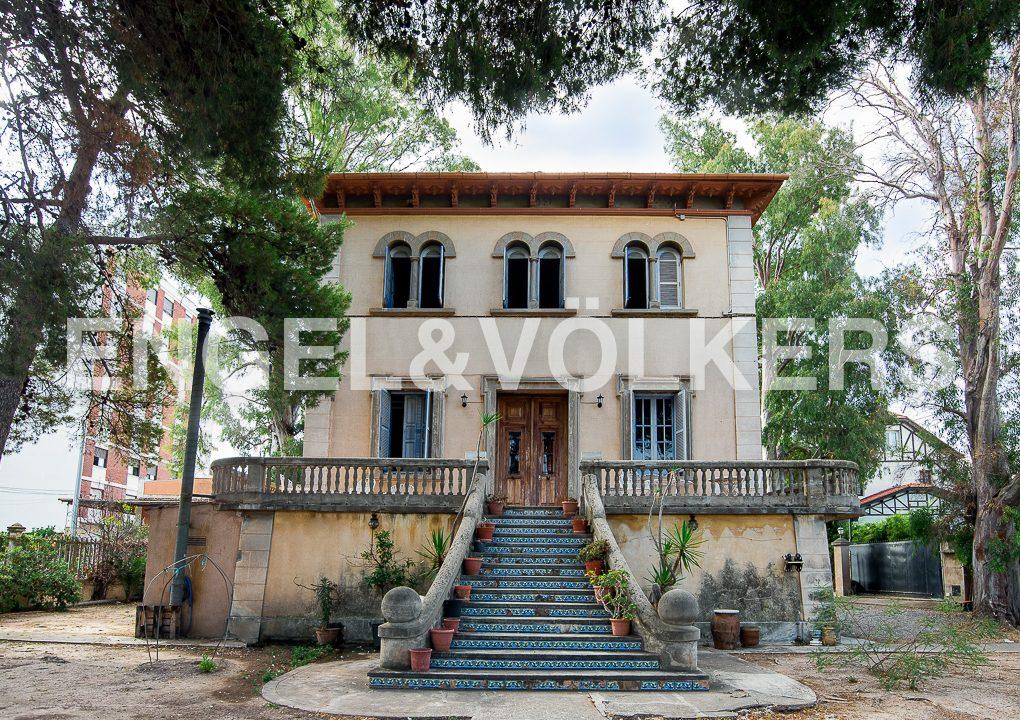 modernismo-francés-en-valencia-frente-al-mar-fachada-oeste