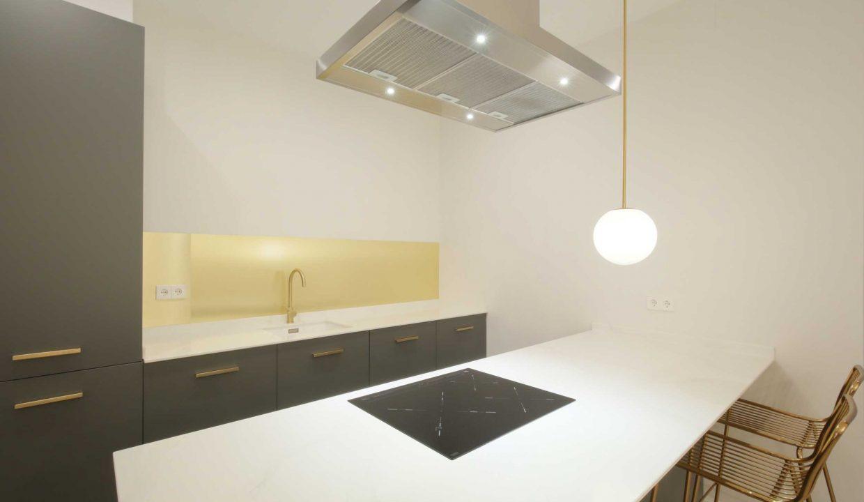 Chueca-4-dormitorios-3-baños-edificio-clásico-y-representativo-13