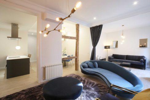 Chueca-4-dormitorios-3-baños-edificio-clásico-y-representativo-24