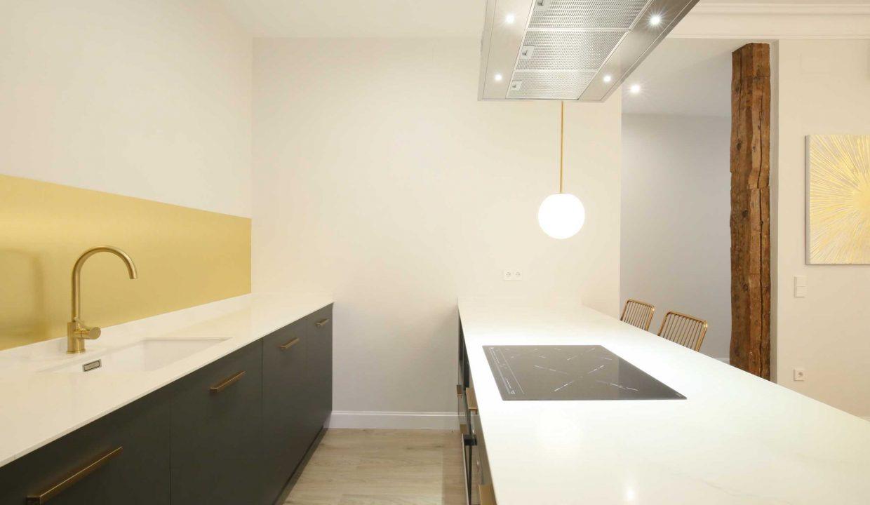 Chueca-4-dormitorios-3-baños-edificio-clásico-y-representativo-4
