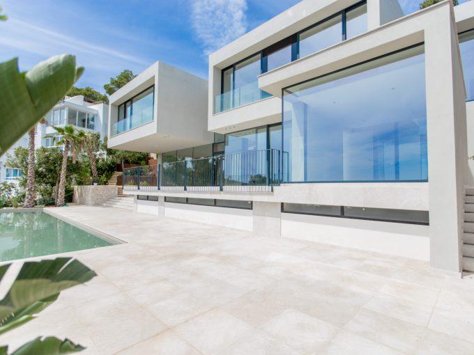 Portal Inmobiliario de Lujo en Costa d'en Blanes, presenta chalet de lujo venta en Mallorca, villa premium para comprar y casas de alta gama en venta en Baleares.