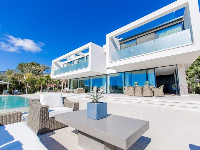 Portal Inmobiliario de Lujo en Cas Català, presenta chalet de lujo venta en Mallorca, inmuebles exclusivos para comprar y villas lujosas en venta en Baleares.