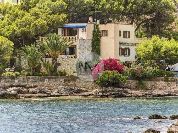 Portal Inmobiliario de Lujo en Palmanova, presenta chalet lujoso venta en Mallorca, villa de lujo para comprar y vivienda premium en venta en Baleares.