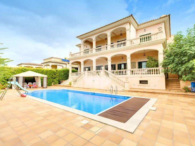 Portal Inmobiliario de Lujo en Son Veri Nou, presenta chalet de lujo venta en Llucmajor, casa para comprar y villa independiente en venta en Baleares.